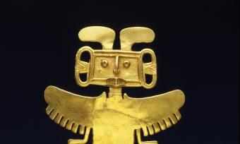 Aus Gold gegossener Brustanhänger eines göttlichen Mensch-Tierwesens