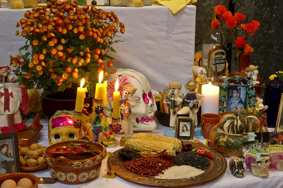Candles, flowers, food, decoration, table
