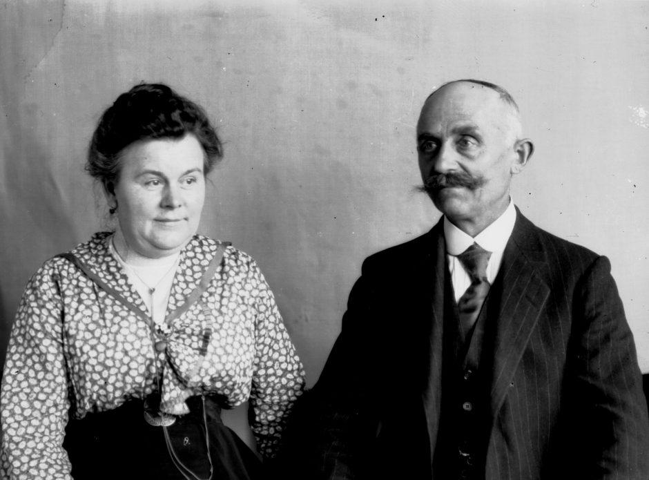 Man, woman, potrait, b/w photograph