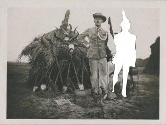 Historisches Foto aus dem Bestand des MARKK, künstlerisch bearbeitete von Vitjitua Ndjiharine