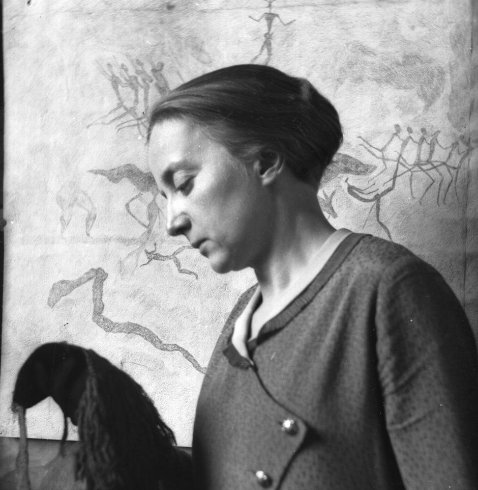 Draftswoman Elisabeth Mannsfeld, black and white photography