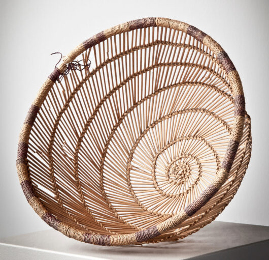 Sieve basket woven from plant fibers