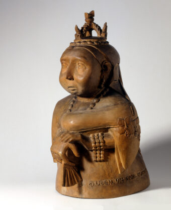 Queen Victoria als Holzfigur