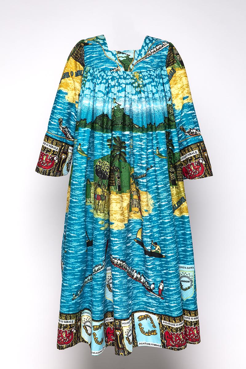 Kleid aus dem Besitz der Königinmutter Delphine Douala-Bell